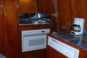 70' Azimut Sea Jet 2000 Dish Washer