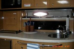 35' Chaparral 350 Signature 2006 Galley