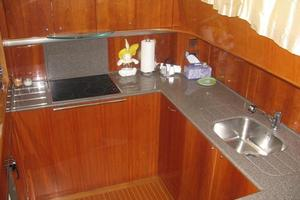 65' Viking 65 Sports Cruiser 2002 Galley