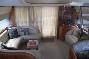65' Viking 65 Sports Cruiser 2002 Salon