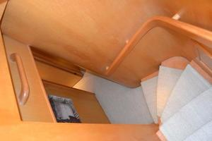 57' McKinna Raised Pilothouse 1999 Hallway