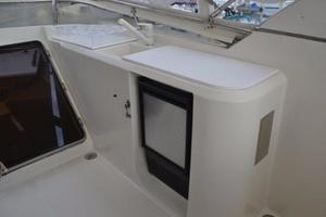 57' McKinna Raised Pilothouse 1999 Wet Bar