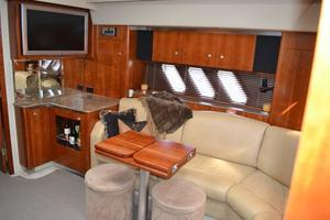46' Cruisers Yachts 46 Express 2008 Dinette