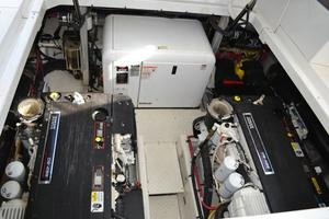 46' Cruisers Yachts 46 Express 2008 Engine Room