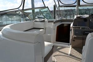 46' Cruisers Yachts 46 Express 2008 Windshield Frame and Cabin Entry