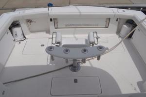 41' Tiara 4100 Open 2000 Cockpit