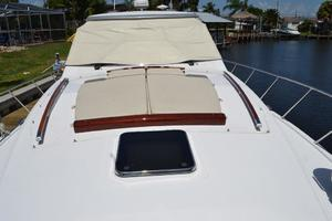 43' Chris-Craft Roamer 2003 Foredeck