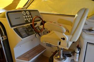 43' Chris-Craft Roamer 2003 Helm