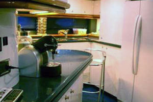 Sunseeker-Manhattan-80-1999-Laura-San-Remo-Italy-Galley-924221