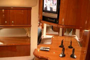 Sunseeker-Manhattan-80-1999-Laura-San-Remo-Italy-VIP-Suite-924204