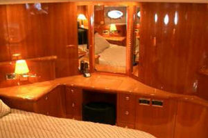 80' Sunseeker Manhattan 80 1999 Master Suite Vanity and Dressers