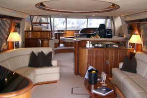 Sunseeker-Manhattan-80-1999-Laura-San-Remo-Italy-Salon-Looking-Forward-924208