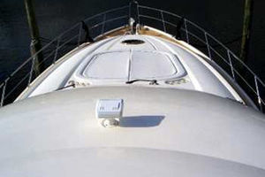 80' Sunseeker Manhattan 80 1999 Foredeck