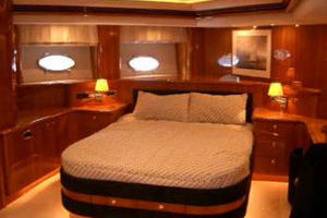 80' Sunseeker Manhattan 80 1999 Master Suite