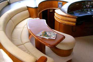 80' Sunseeker Manhattan 80 1999 Forward Salon Seating