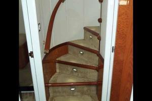 81' Cheoy Lee Bravo 81 2002 Accommodation Stairs