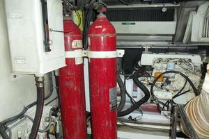 81' Cheoy Lee Bravo 81 2002 Engine Room