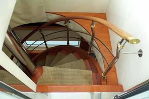 81' Cheoy Lee Bravo 81 2002 Interior Flybridge Access