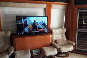 81' Cheoy Lee Bravo 81 2002 Salon to Starboard