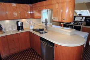 81' Cheoy Lee Bravo 81 2002 Galley Forward