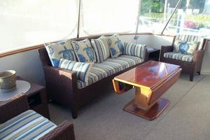 46' Dyna Double Cabin M/Y 1988 Aft deck looking to port