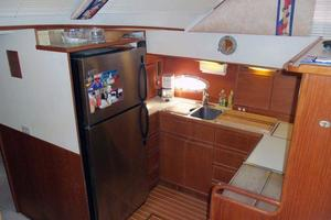 46' Dyna Double Cabin M/Y 1988 Galley