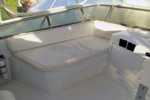 46' Dyna Double Cabin M/Y 1988 Port side FB seating