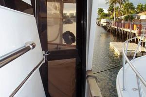 46' Dyna Double Cabin M/Y 1988 Wing door