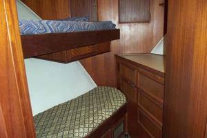 60' Hatteras Convertible/Enclosed FB 1979 Forward Cabin