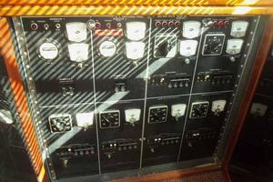 60' Hatteras Convertible/Enclosed FB 1979 Salon Switching Panel