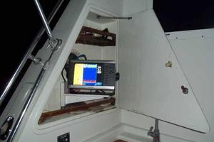 60' Hatteras Convertible/Enclosed FB 1979 Cockpit Garmin Location