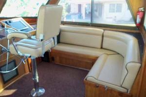 60' Hatteras Convertible/Enclosed FB 1979 Starboard Flybridge Seating