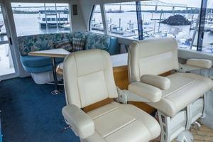 80' Lazzara Cabriolet Cockpit motoryacht 2001