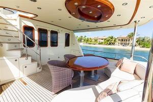 97' Vicem Motor Yacht 2007 Aft Deck