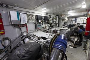97' Vicem Motor Yacht 2007 Engine Room