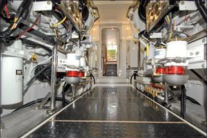 76' Offshore Motoryacht 2010 Engine Room