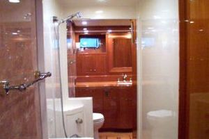 76' Offshore Yachts Motoryacht 2010 His & Her Master Bath