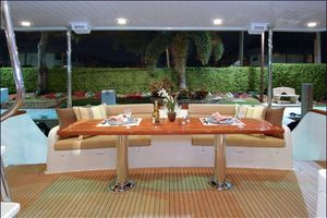 76' Offshore Yachts Motoryacht 2010 Cal Deck