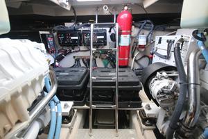 54' Sea Ray 540 Sundancer 2011 engine room forward