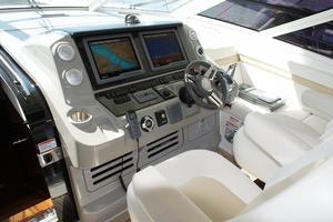 54' Sea Ray 540 Sundancer 2011 helm