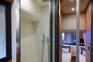 64' Pershing 64 2009 Guest Head