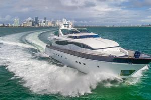 108' Viking Sport Cruisers  2002 Starboard Bow
