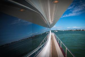 108' Viking Sport Cruisers  2002 Starboard Side Deck