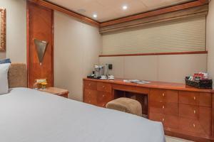 108' Viking Sport Cruisers  2002 VIP Vanity