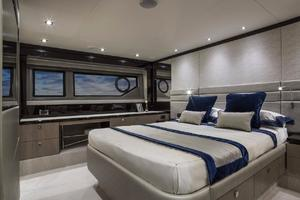 66' Sunseeker Manhattan 66 2018 Manufacturer Provided Image: Sunseeker Manhattan 66 Cabin