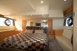 48' Sunseeker Portofino XPS 2014 Mid Ship Master