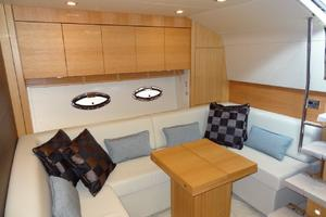 48' Sunseeker Portofino XPS 2014 Salon