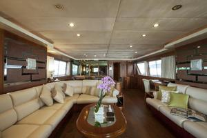 109' Azimut 105 Fly 1991 Main Salon