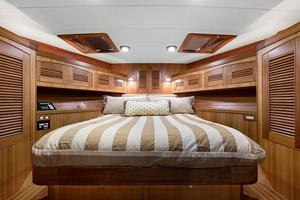 70' Marlow 70e 2008 VIP Stateroom