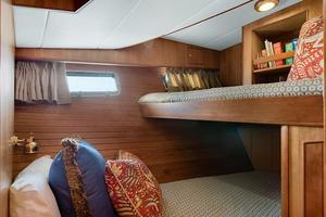 70' Marlow 70e 2008 Guest Stateroom